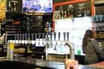 Бар в Брюгге с сигнализацией на пивных бокалах