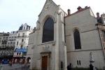 Брюссель: старая церковь, фонтаны, спящий рыцарь и много других городских деталей